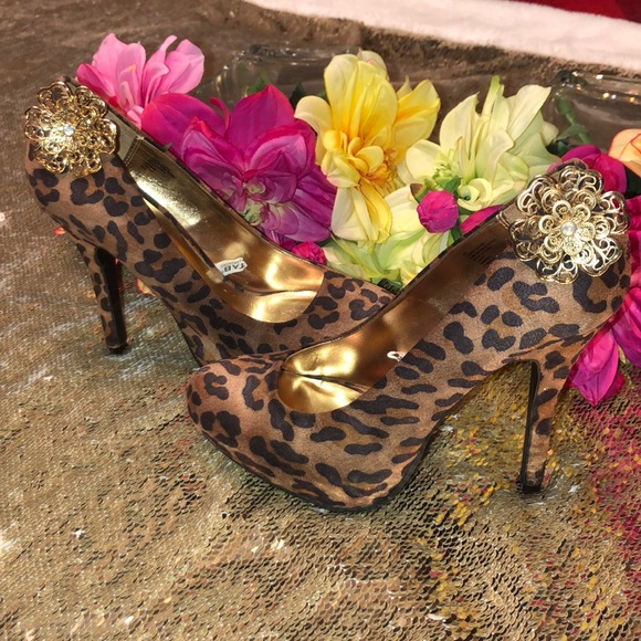 Mossimo Supply Co. Shoes - Cheetah print pumps